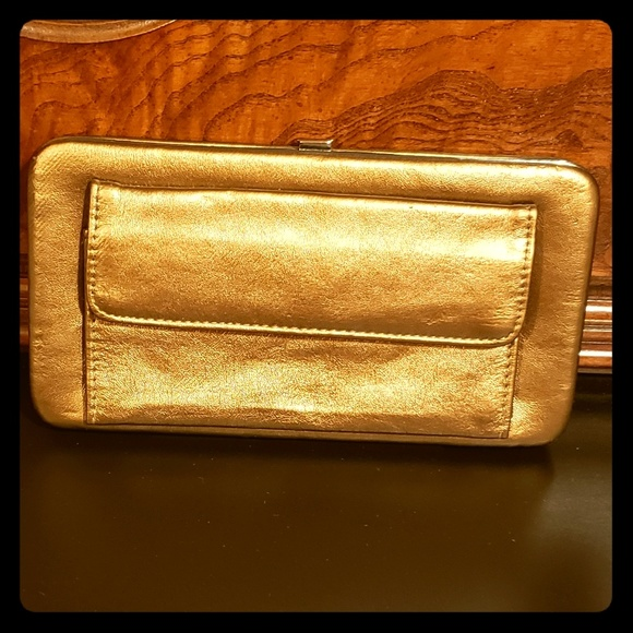 Women's wallet by Braciano